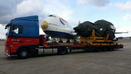 Vervoer van vliegtuigmotoren