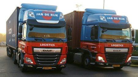2 container trucks